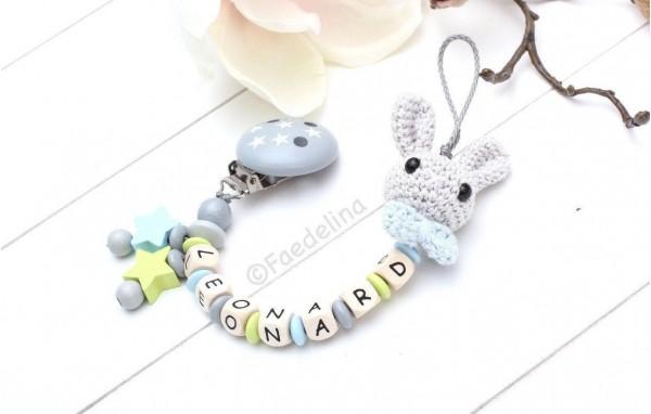 Schnullerkette Hase blau/grün/grau Häkelperlen Sterne Baby Junge