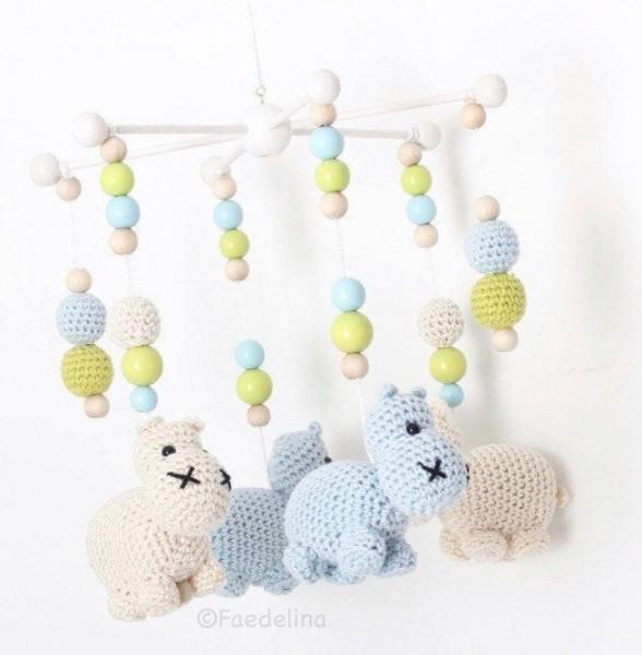 Mobile Mobilestern Nilpferd Baby Junge Kinderzimmer Deko gehäkelt Natur/Babyblau/Grün