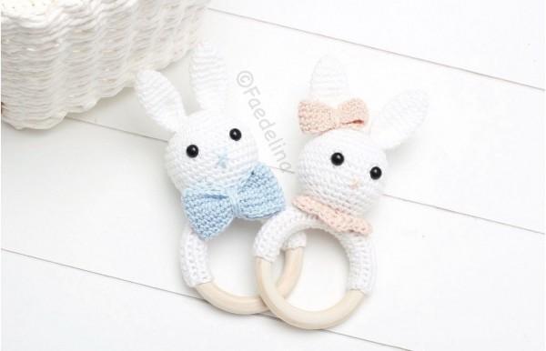 Hasenrassel Häkelhase Greifring Baby Mädchen Junge Geschenkidee weiß/rosa/blau (Modellauswahl)