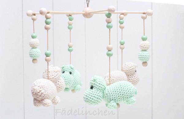 Baby Mobile Mobilestern mit Häkelperlen Nilpferd Geschenkidee mint/natur