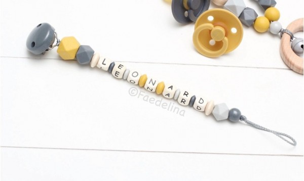 Schnullerkette mit Namen Senfgelb/grau Baby Junge Natur Geschenkidee Accessoires (ohne Deko)